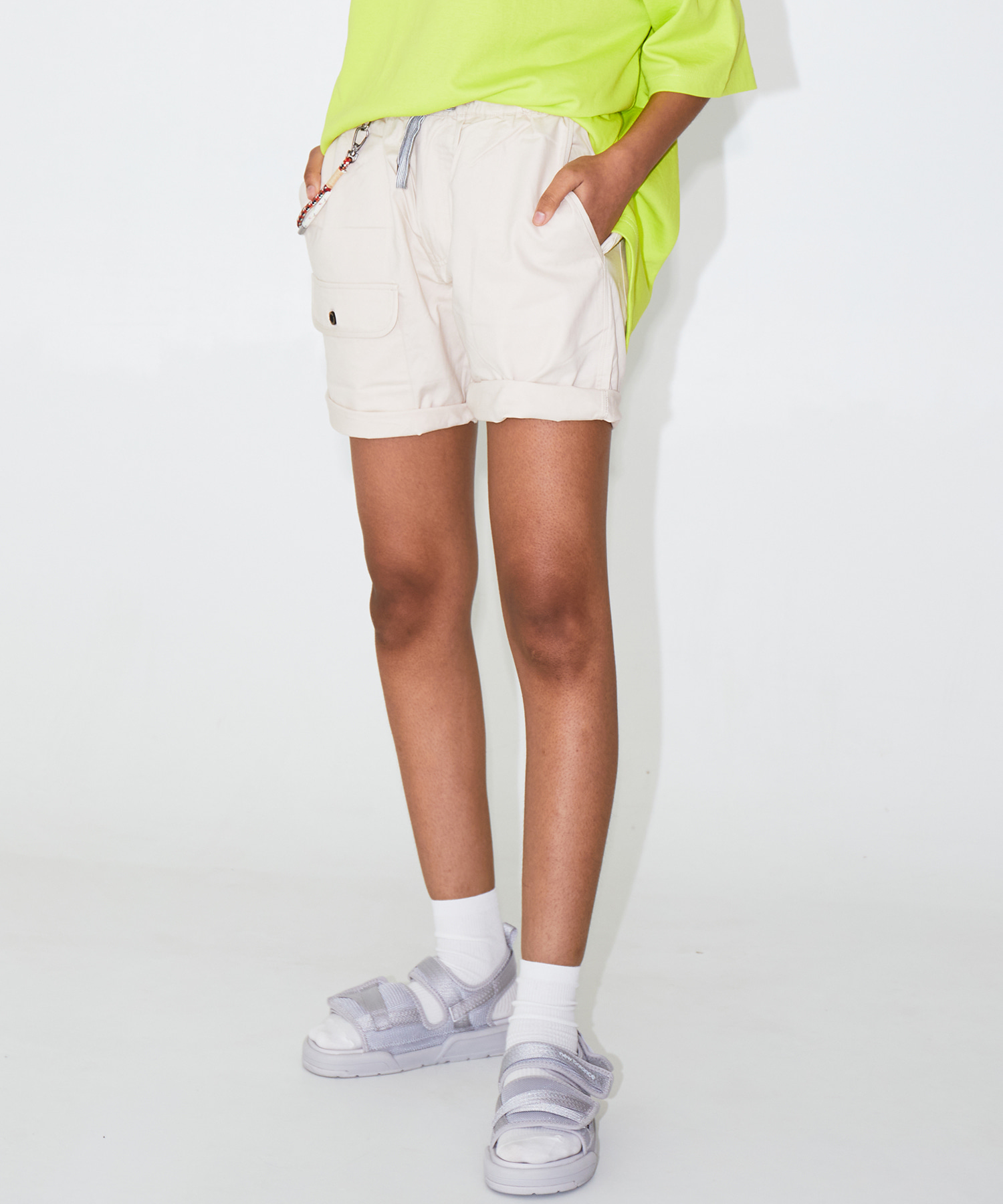 COLOR SHORTS – BEIGE