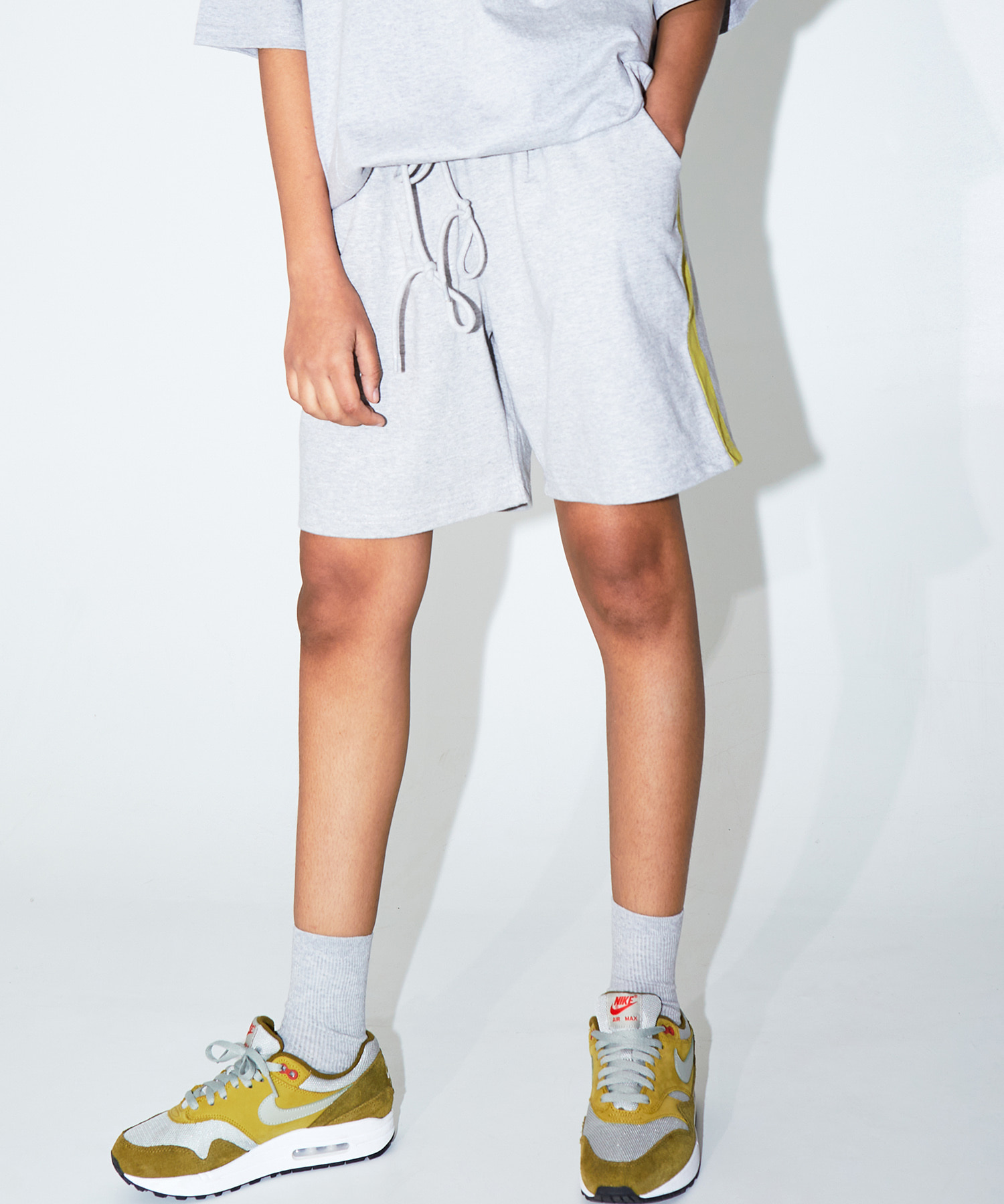 SIDE STRIPE SHORTS - GRAY