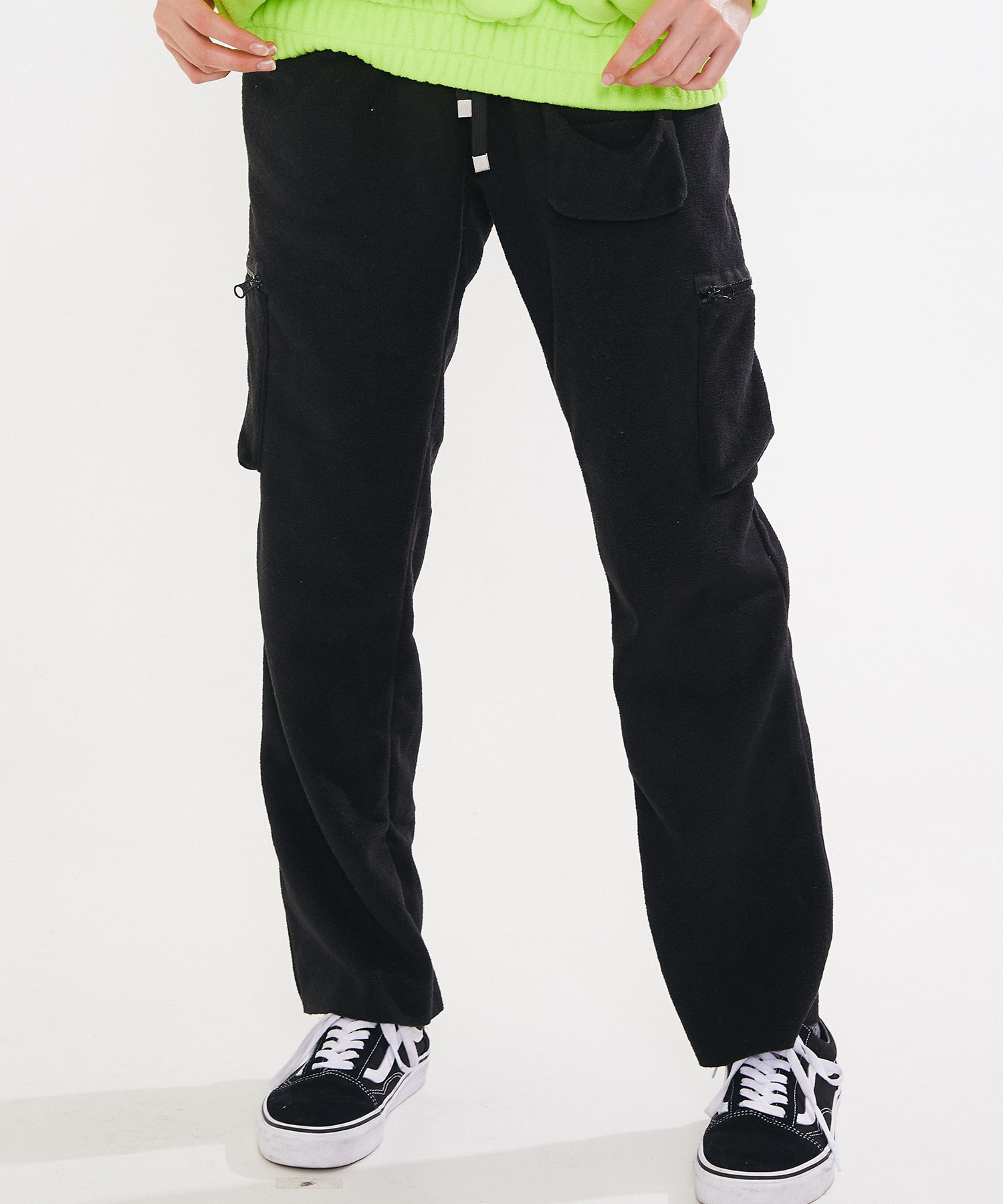 FLEECE CARGO PANTS - BLACK
